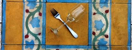 Wino do posiłku – przyjemność i sztuka