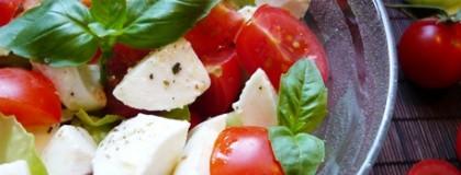 Sałatka we włoskich barwach