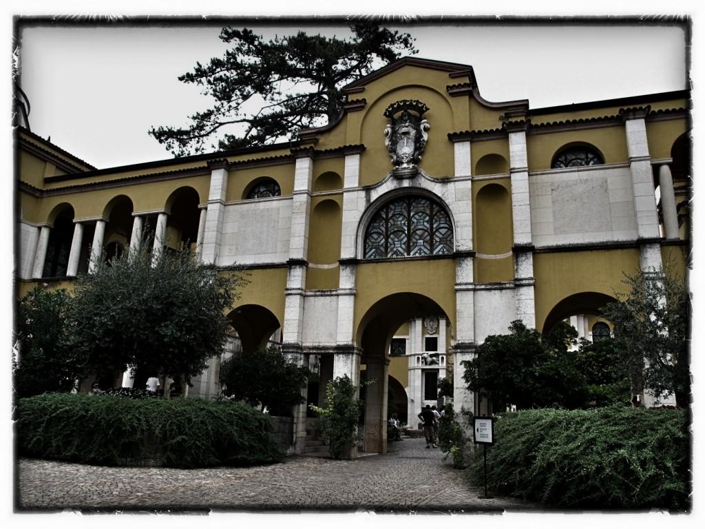 dom poety w Gardone Riviera